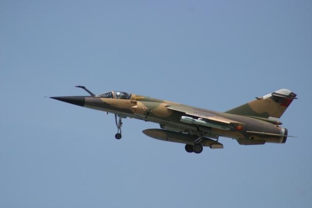Photo de Un mirage F-1 des FAR s'écrase en mission d'entraînement près de Taounat