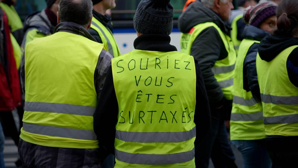 Photo de Gilets jaunes : Premiers heurts entre les manifestants et les forces de l'ordre à Paris