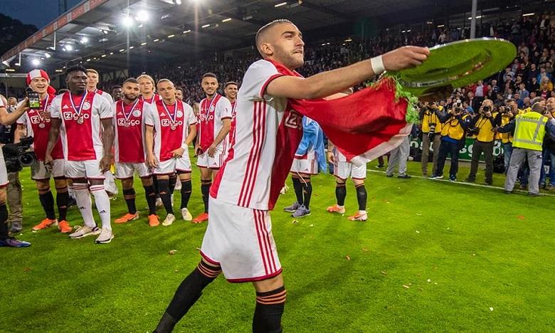 Photo de »Ziyech est meilleur qu'Özil», selon le directeur sportif de l'Ajax