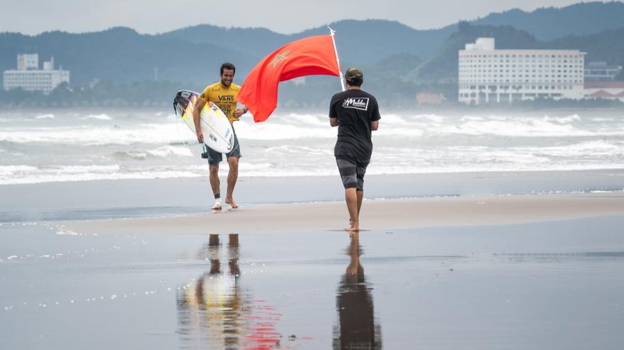 Photo of Surf : Le marocain Ramzi Boukhiam qualifié pour les JO 2020