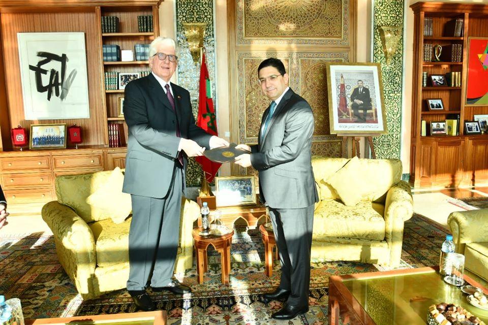 Photo of Le nouvel ambassadeur US remet ses lettres de créances