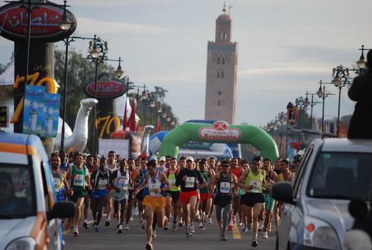Photo of Hicham Laqouahi remporte le marathon international de Marrakech