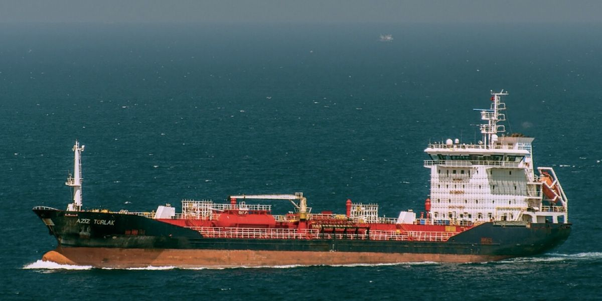 """Photo of A Dakhla, le pétrolier """"Aziz Torlak"""" attend sa remise à flot"""