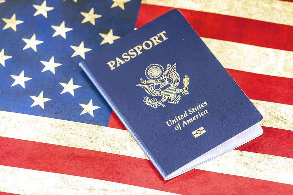 Photo of Covid-19: Trump suspend l'immigration pour protéger l'emploi des nationaux