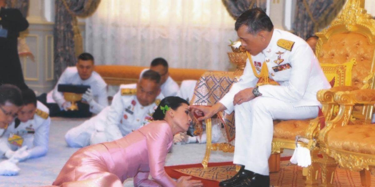 Photo of Insolite: le roi de Thaïlande s'en va en confinement de luxe avec son harem